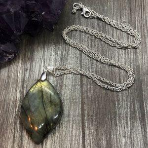 Jewelry - Flashy golden labradorite crystal pendent .925